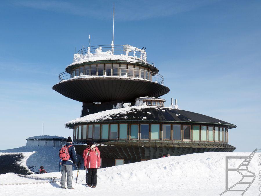 Schronisko na Śnieżce i stacja meteorologiczna