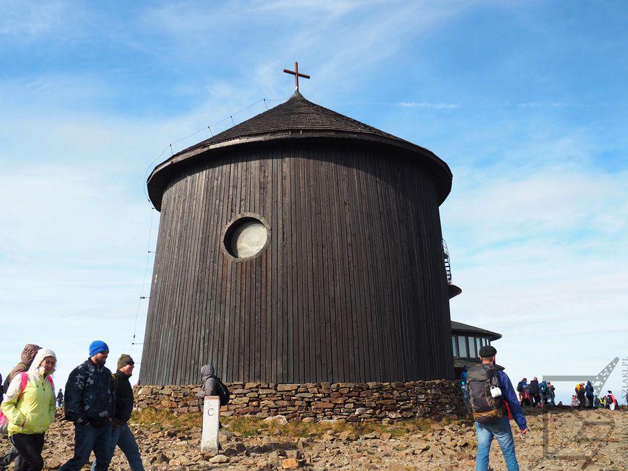 Kaplica św. Wawrzyńca jesienią