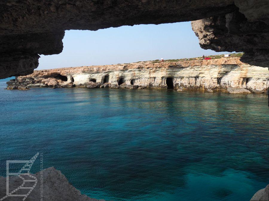 Widok z morskiej jaskini (Cape Greco)