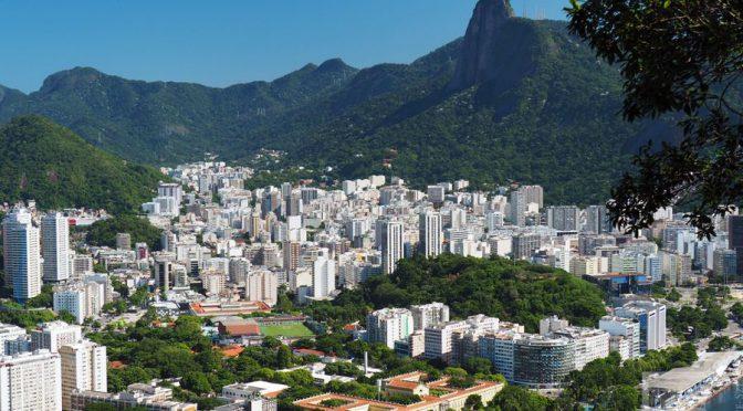 Rio de Janeiro, Miasto Boga, James Bond, Jezus, karnawał i fawele
