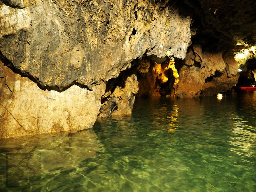 Największe podziemne jezioro na świecie (jaskinia Ali-Sadr, Iran)