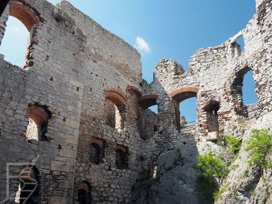 Mury zamku Ogrodzieniec