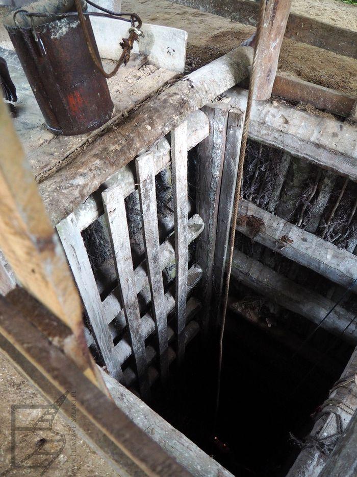 Zejście do kopalni w Waran w Meetiyagoda