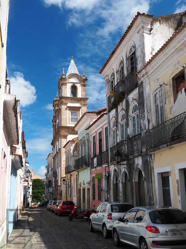 Zabytkowe uliczki Salvadoru