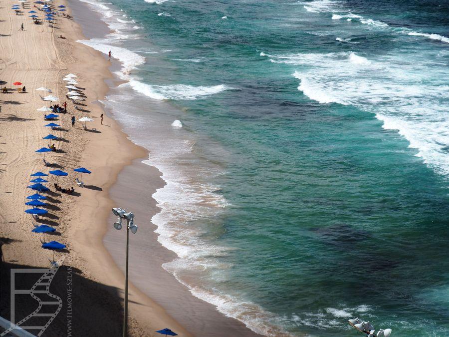 Salvador i plaża (Praia do Farol da Barra) wzdłuż Avenida Oceanica,