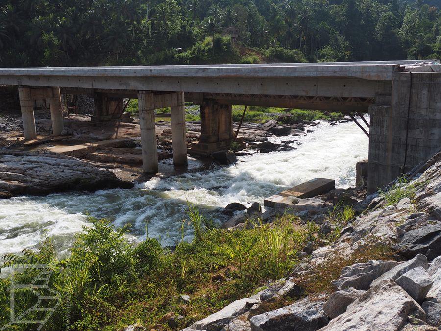 Obecny most na rzece Kelani (Kitulgala)