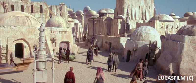 """Mos Espa, """"Gwiezdne Wojny Część I Mroczne widmo"""", zdjęcia kręcone w Szatt el-Gharsa"""