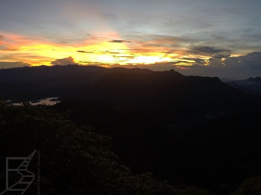 Wschód słońca widziany ze Szczytu Adama