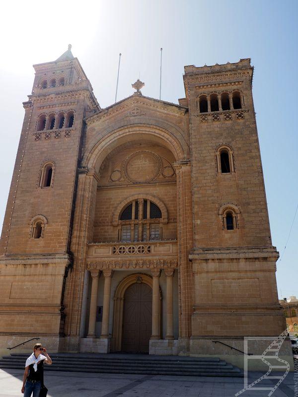 Kościół pod wezwaniem łańcuchów św. Piotra (Birżebbuġa)