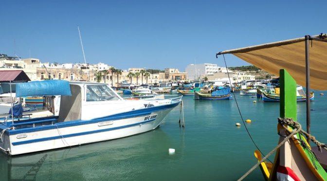 Marsaxlokk i Birżebbuġa, główny port Malty i łodzie luzzu