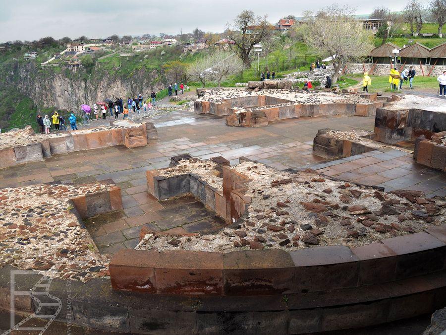 Ruiny bazyliki chrześcijańskiej (Garni, Armenia)