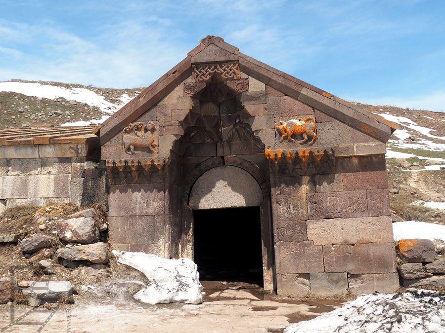 Wejście do karawanseraju Orbeliana