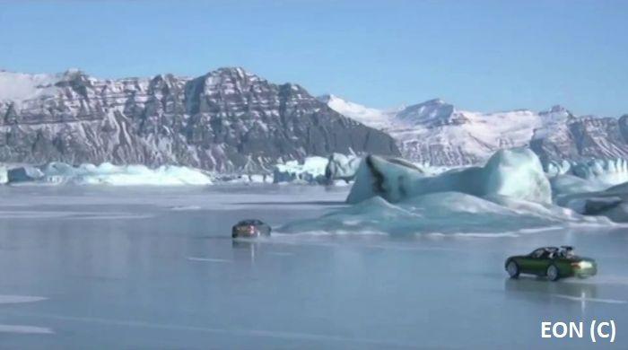 """""""Śmierć nadejdzie jutro"""", czyli James Bond 007 na Islandii. Na Jökulsárlón nagrywano między innymi fragmenty pościgu."""