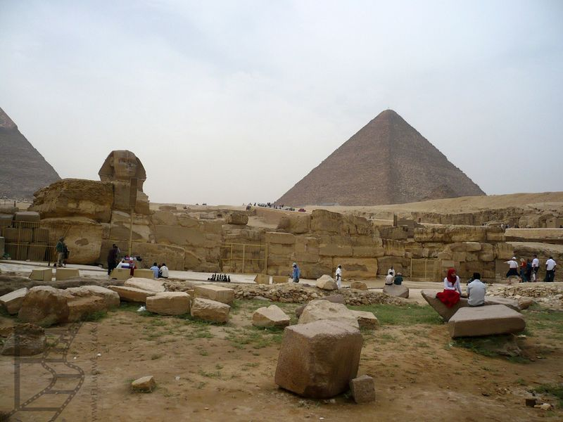 Sfinks i piramidy