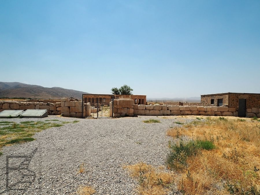 Pasargady. dawny karawanseraj