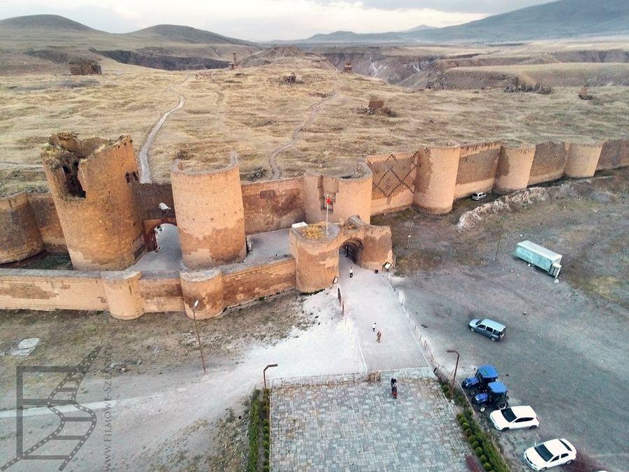 Mury Ani z perspektywy drona (zanim dostaliśmy pouczenie, by tu nie latać)