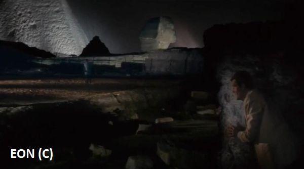 """""""Szpiegu, który mnie kochał"""" i Piramidy oraz Sfinks"""