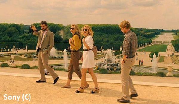 """Ogrody Wersalu w filmie """"O północy w Paryżu"""" Woody'ego Allena."""