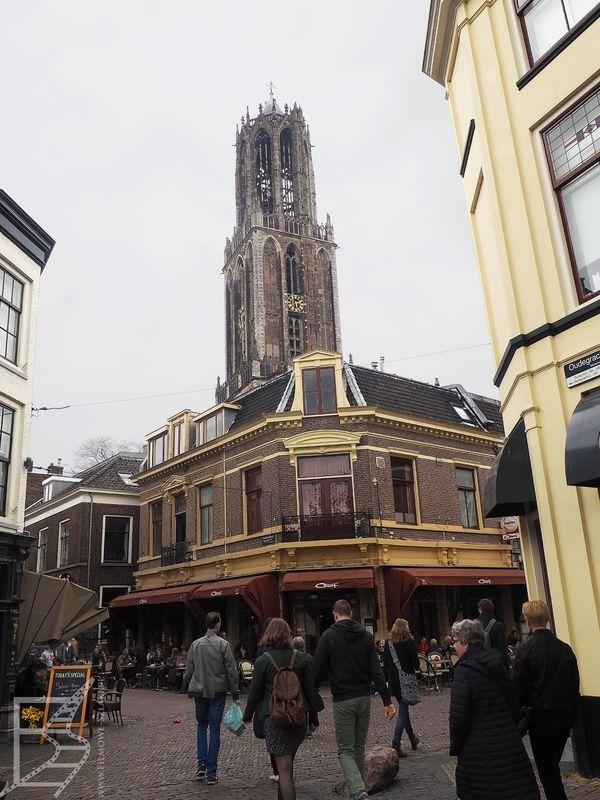 Dzwonnica jest charakterystycznym elementem Utrechtu, widać ją z wielu miejsc