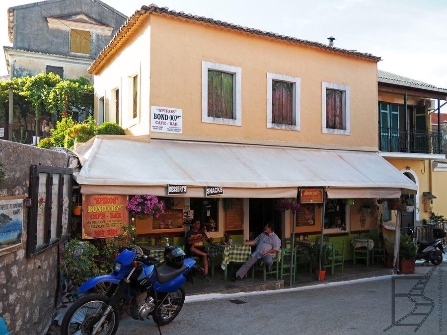 Spiros Bond 007 Cafe – Bar, który pojawił się w Bondzie (Korfu)