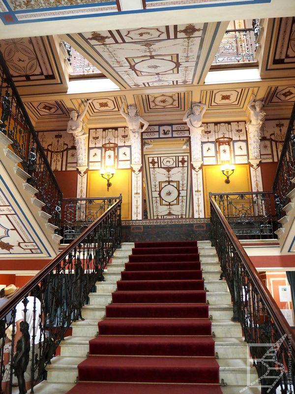 Zdobione schody w Achilleion