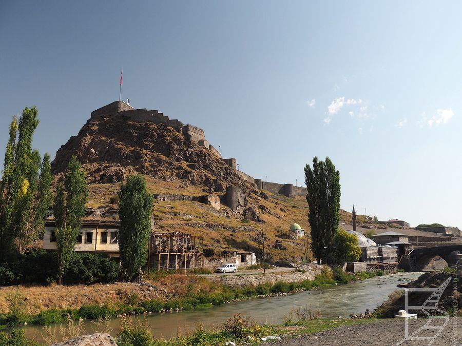 Widok na zamek od strony rzeki