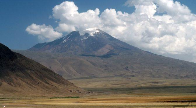 Ararat i Doğubayazıt, widok na świętą górę Ormian