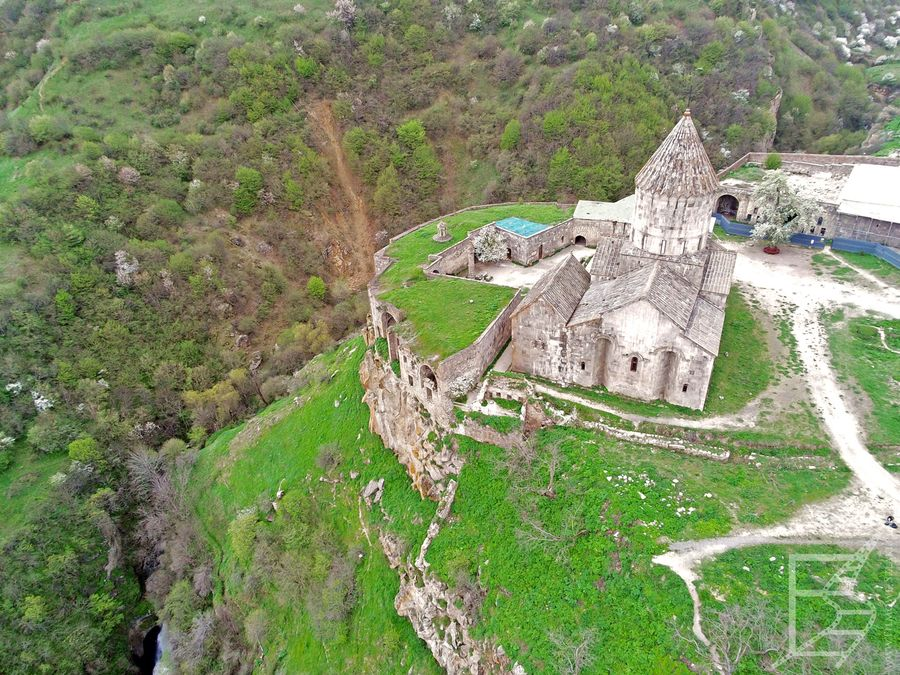 Klasztor w Tatew