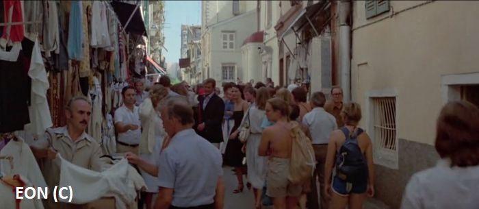 James Bond i Melina zwiedzają starówkę Korfu (Kerkyra)