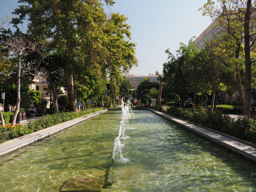 Ogród przed pałacem Golestan