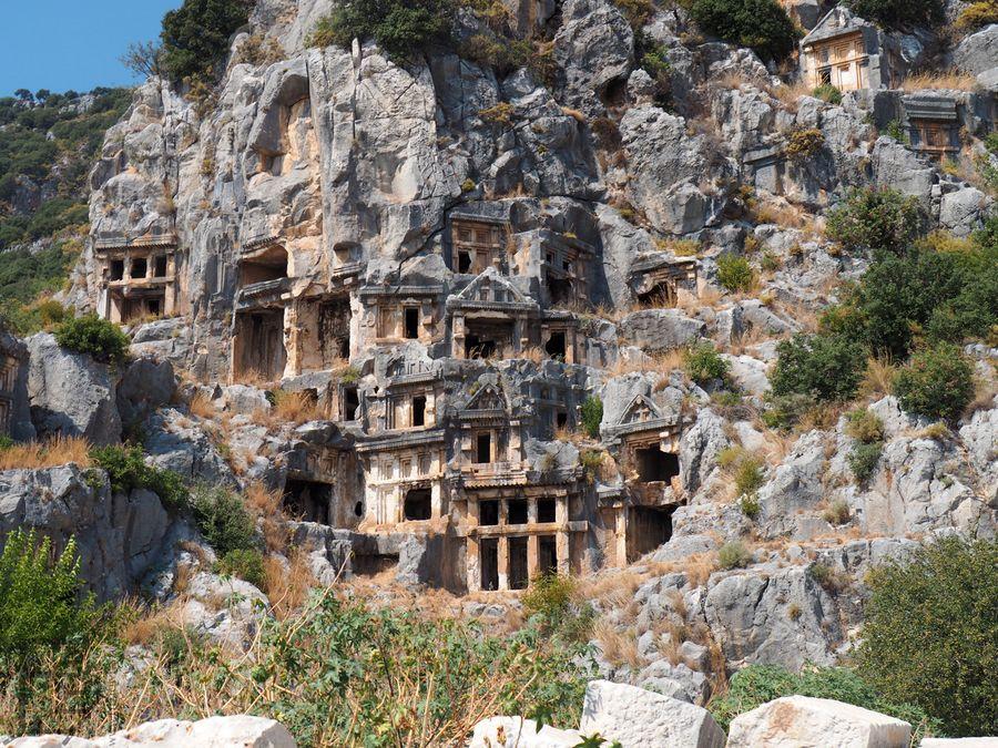 Myra i słynne nekropolis