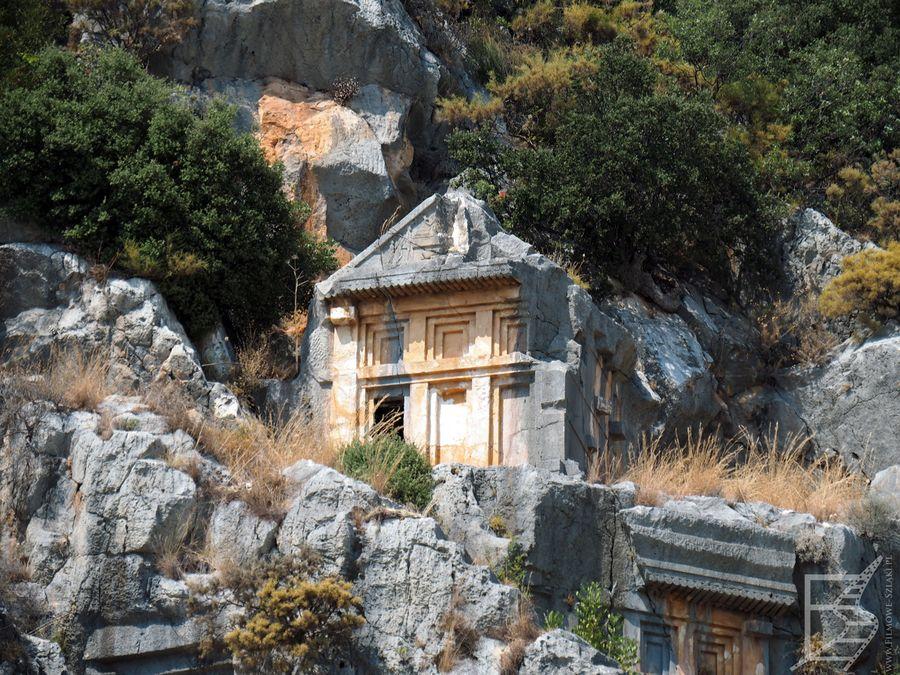 Wykute grobowce w Myrze