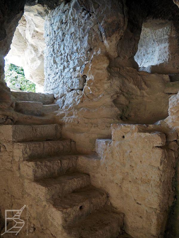 Schody wewnątrz monastyru Aładża