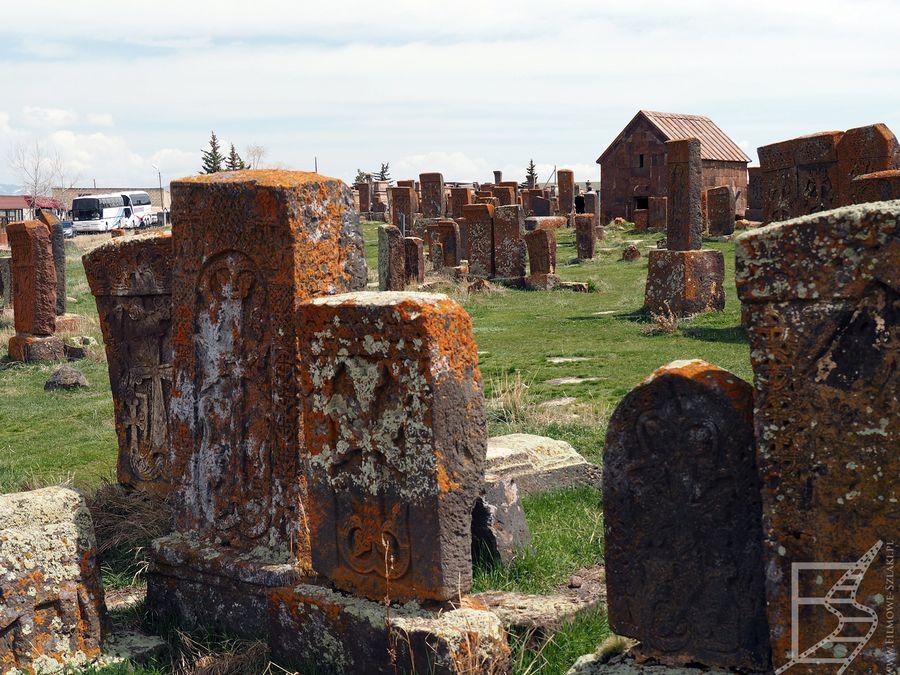 Chaczkary na cmentarzu Noratus